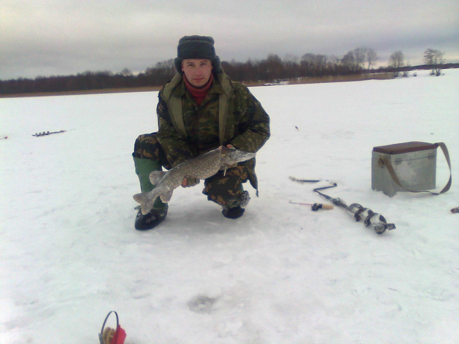 Отдых в Беларуси. Зимняя рыбалка. Озеро Липно.