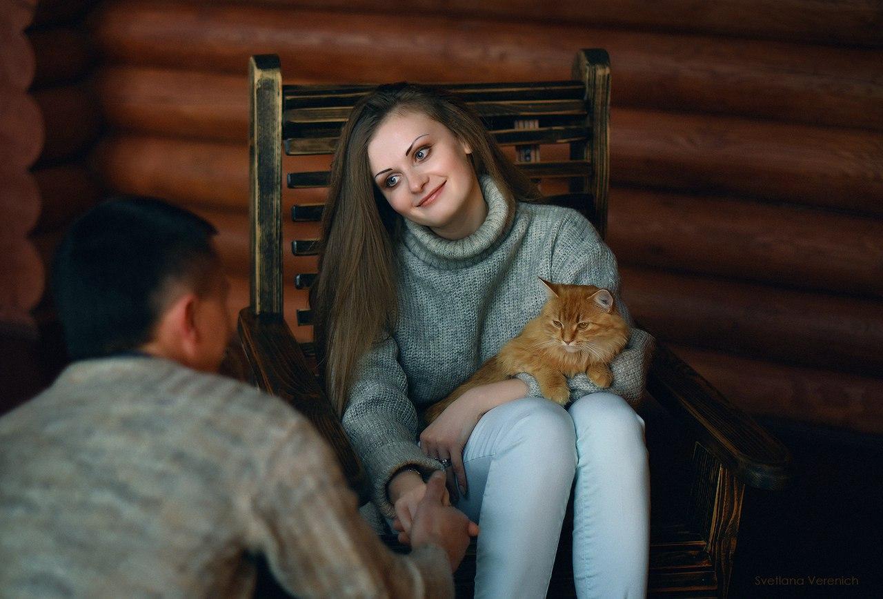 Фото у камина. Отдых в Беларуси.